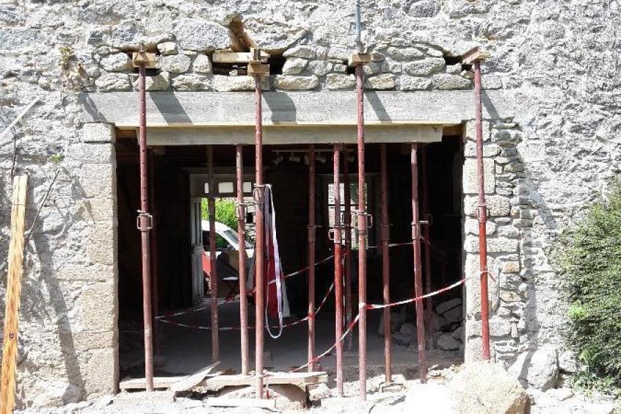 modifications d'ouvertures sur des murs porteurs de forte épaisseur.